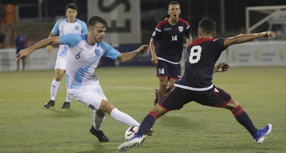 Guatemala apostó al ataque desde el inicio del partido y logró un par de llegadas, pero se encontraron con buenas atajadas del portero dominicano Miguel Lloyd