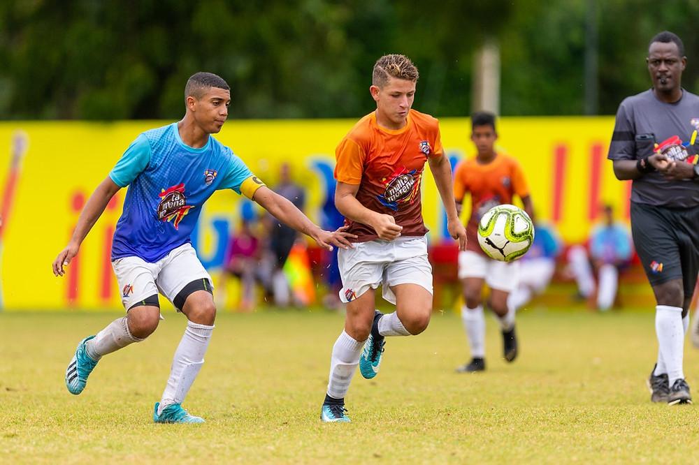 Los jóvenes del Instituto Iberia vencieron en la final masculina al combinado del Liceo Manuel Ubaldo Gómez de Jarabacoa con un marcador de 3 goles por 0.