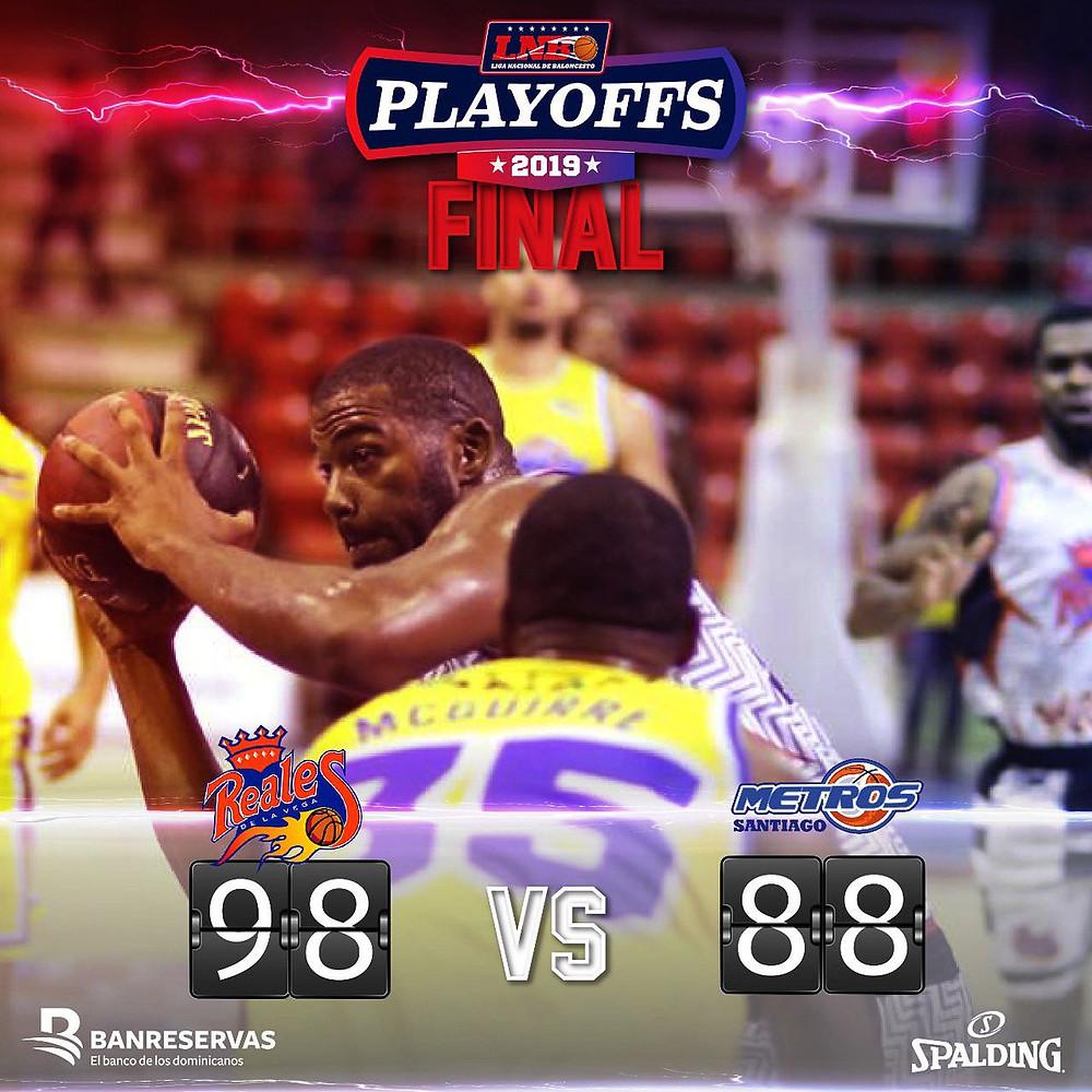 La serie, que se disputa al mejor cinco partidos, continúa este sábado en la Arena del Cibao Oscar Gobaira