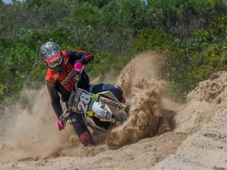 Musa y Brito sobresalen en Motocross de Rio San Juan