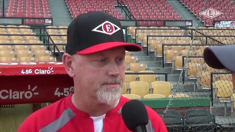 Blair, de 54 años, actualmente es el coach de pitcheo del equipo Western Michigan Whitecaps