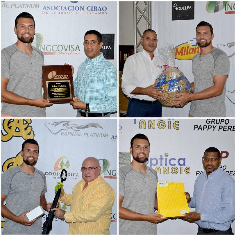 Kolton Mahoney premiado por  Amable Guzmán,  David... Robert Cabrera y Rafael Baldayac