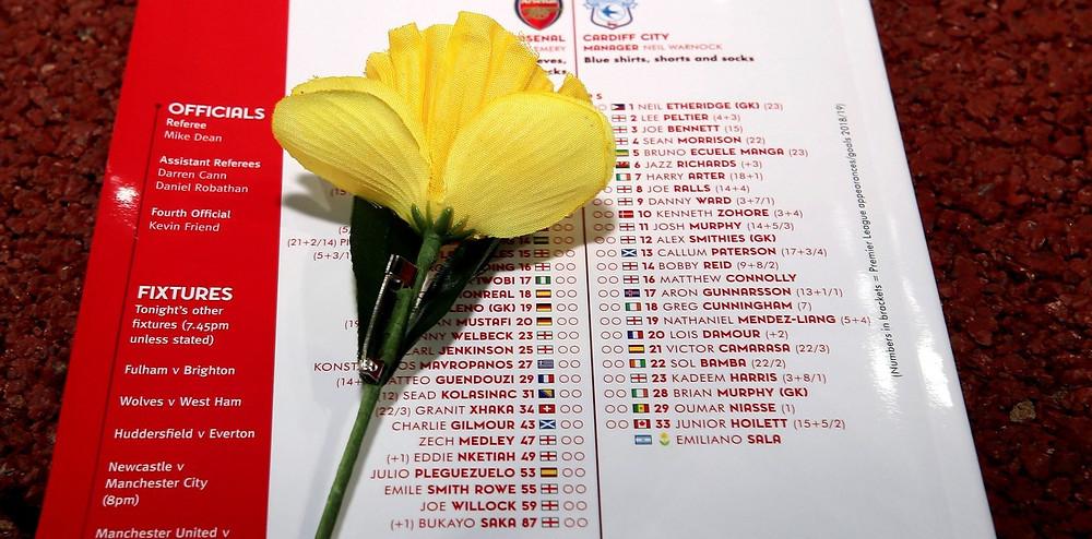 La planilla oficial del partido entre Arsenal y Cardiff incluyó a Emiliano Sala. (AP)