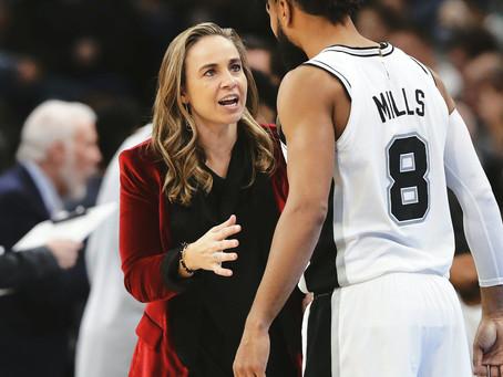 Becky Hammon se encuentra cerca de ser la primera entrenadora de la NBA