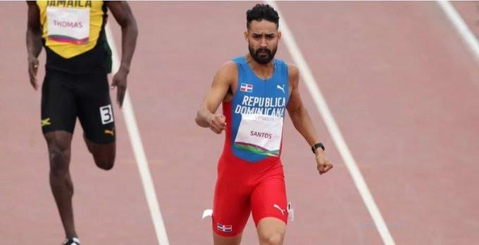 Luguelin Santos finalizó en el penúltimo puesto de la final de los 400 metros metros planos