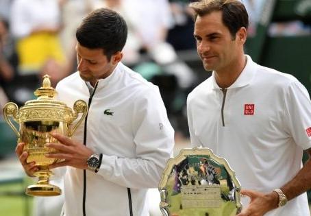 Novak Djokovic gana su quinto título en Wimbledon, tras vencer a Federer