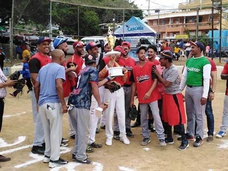 Selección de Tomás campeón Copa de Softbol Mi Cable