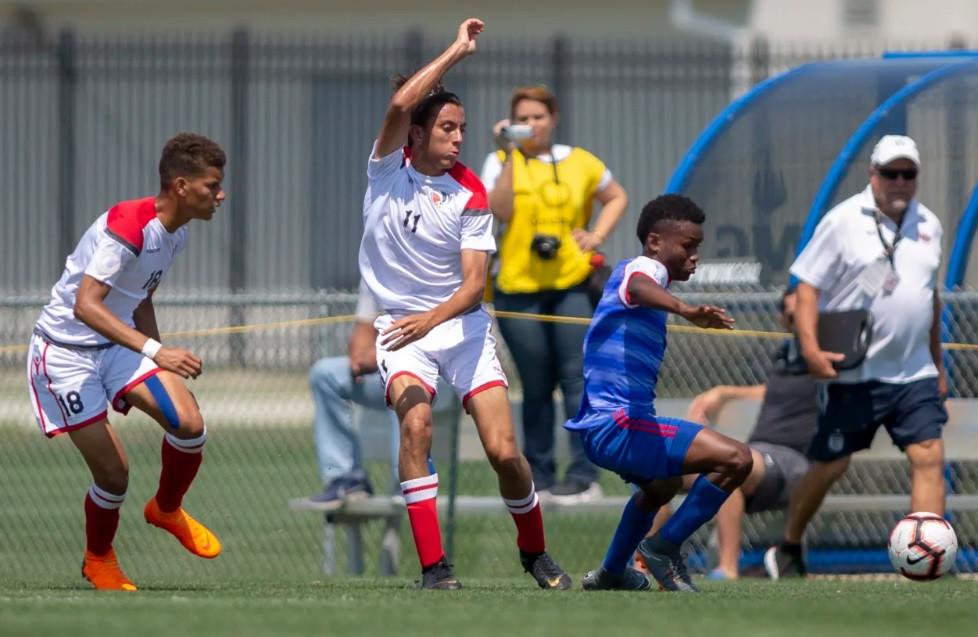Franklin Rodríguez (11) en acción durante la fase de eliminatoria del Campeonato Sub-17 de Concacaf