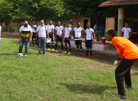 Dedican Torneo Barrial de Fútbol al Cronista Deportivo José Luis Paulino