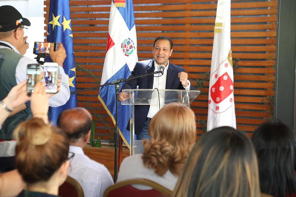 El alcalde Abel Martínez, afirmó que el compromiso de la ciudad de Santiago y la Alcaldía, es el de trabajar por el medio ambiente