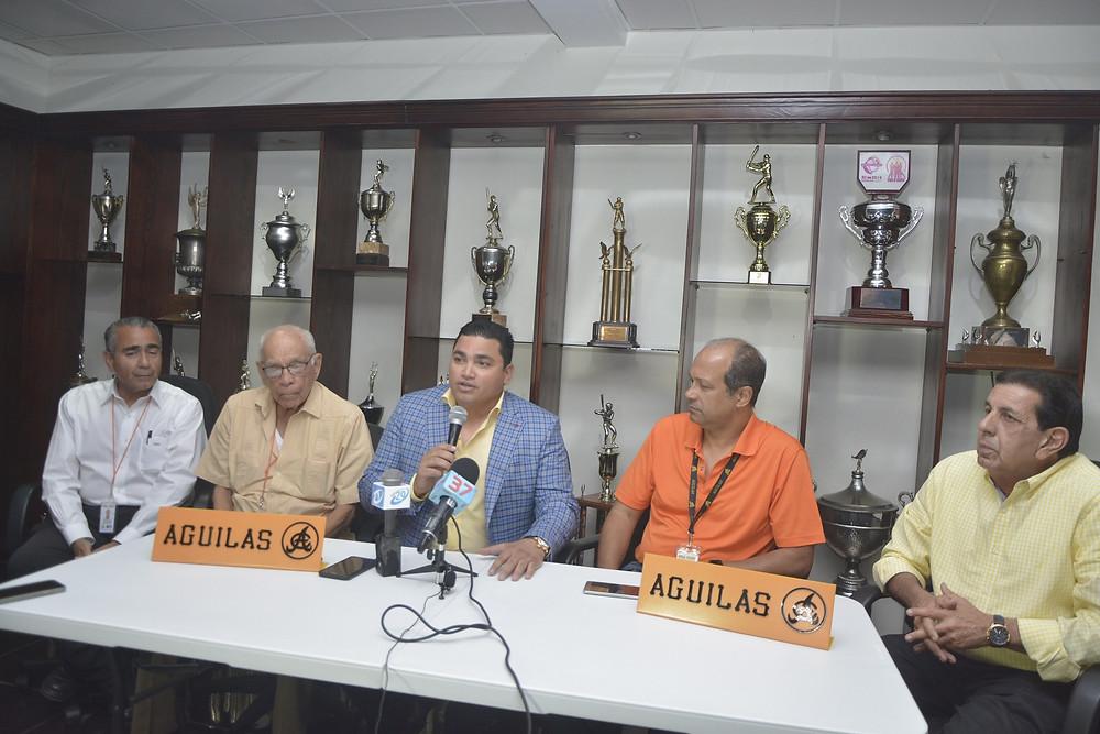 Ángel Ovalles es su nuevo Gerente de las Águilas Cibaeñas