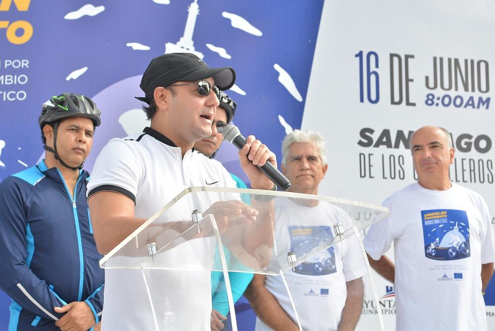 El alcalde Abel Martinez,pronuncia sus palabras