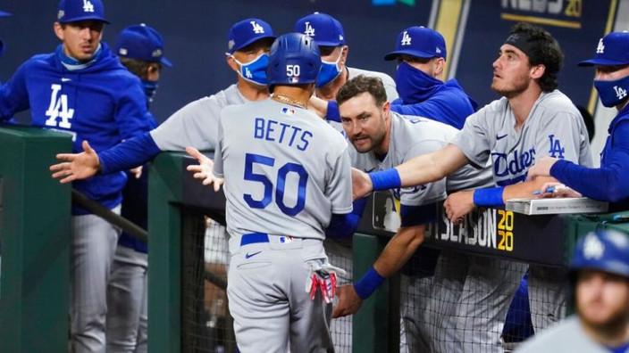 Dodgers consumen la barrida ante Padres para regresar a la Serie de Campeonato
