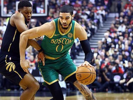 Celtics aplastan a los Raptors en Navidad