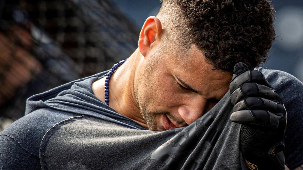 Sánchez tiene dolor de espalda y no se esperaba que jugara en un juego de entrenamiento de primavera hasta el viernes