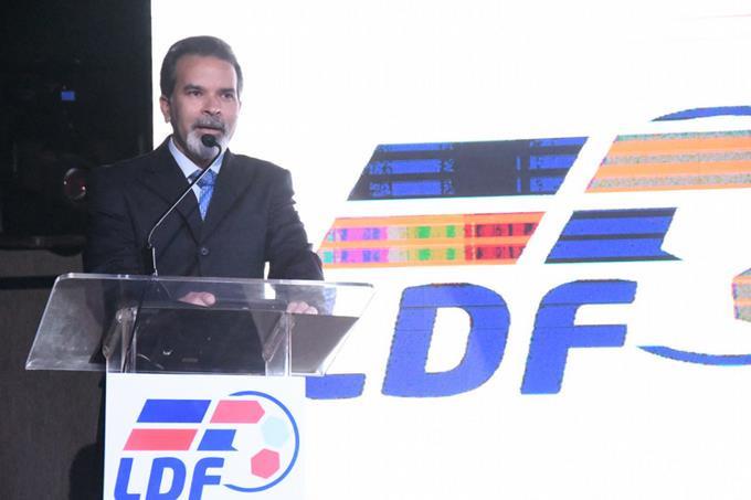 Dinardo Rodríguez, Director Ejecutivo de la LDF, ofrece detalles del nuevo formato. FE