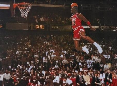 La Noticia TBT del Día: La impresionante clavada de Michael Jordan.