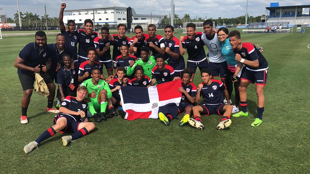 La selección dominicana Sub-17 celebra su triunfo y clasificación a ronda final del Campeonato Concacaf de la categoría.