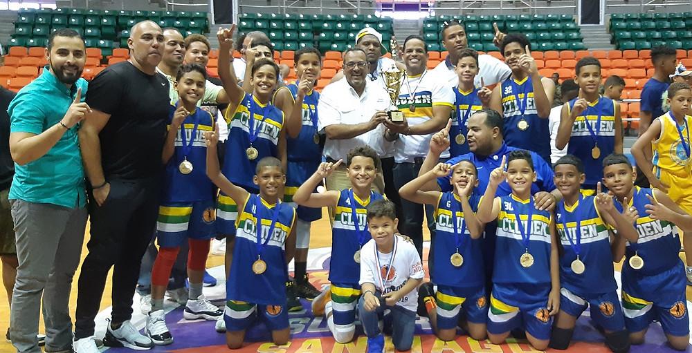 Premiación del Cluden, ganador de la división Uno del torneo provincial de Mini Baloncesto de Santiago.