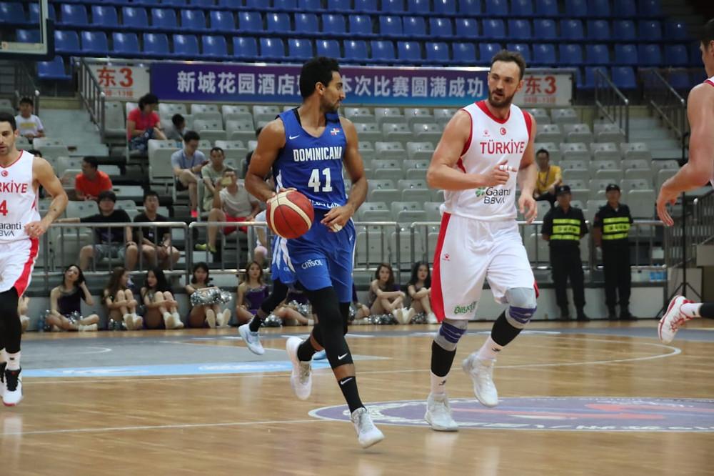 Juan José García anotó 8 unidades y haló cuatro rebotes