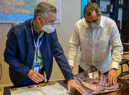 Alcaldía SDE y Comisionado de Béisbol analizan planos de estadio