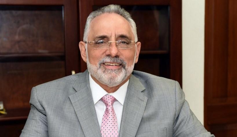 El presidente de la Liga de Béisbol Profesional de la República Dominicana (Lidom), Lic. Vitelio Mejía Ortiz