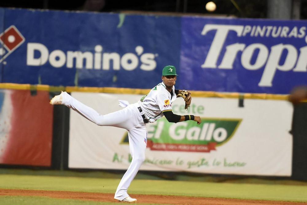 Alfredo Reyes lanza a primera