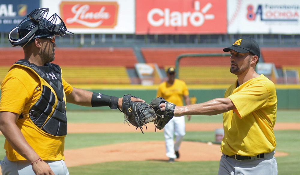 """Los estadounidenses hablaron luego de realizar al mediodía del martes una sesión de """"live BP"""" frente a jugadores de ofensiva de los amarillos."""
