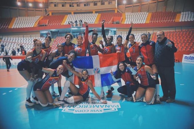 Foto Reinas Del Caribe en la Copa Panamericana 2019 del Twitter @VoleiFemRD