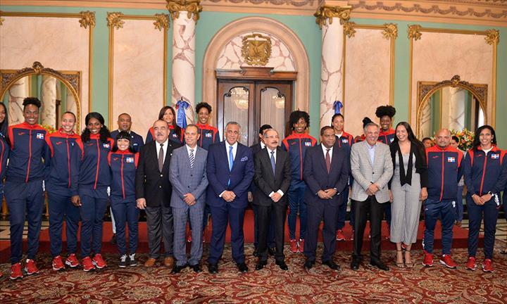 Danilo Medina Sánchez recibirá a las 5:30 de la tarde de hoy lunes 19 de agosto en uno de los salones del Palacio Nacional a los atletas medallistas de los pasados XVlll Juegos Panamericanos Lima 2019
