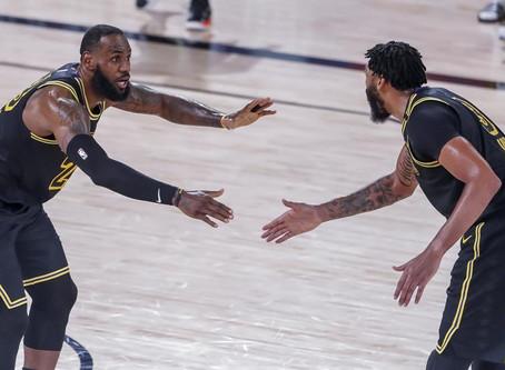 LeBron y Davis impulsan el triunfo de Lakers para poner el 1-1