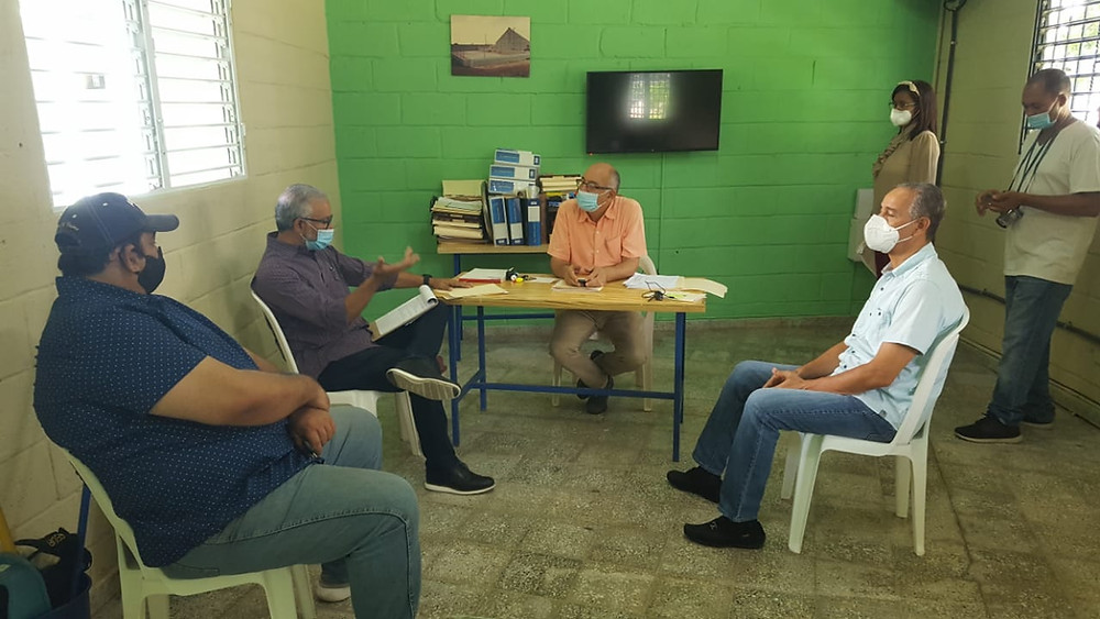 El Director Provincial de Deportes Juan Santiago Cabrera recibió en la mañana de este sábado a la comisión de Transición de Deportes del Partido Revolucionario Moderno (PRM)