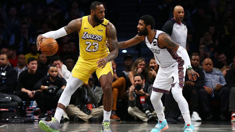 Los Lakers jugaron contra los Nets en su último partido antes de que la NBA suspendiera el juego el miércoles pasado