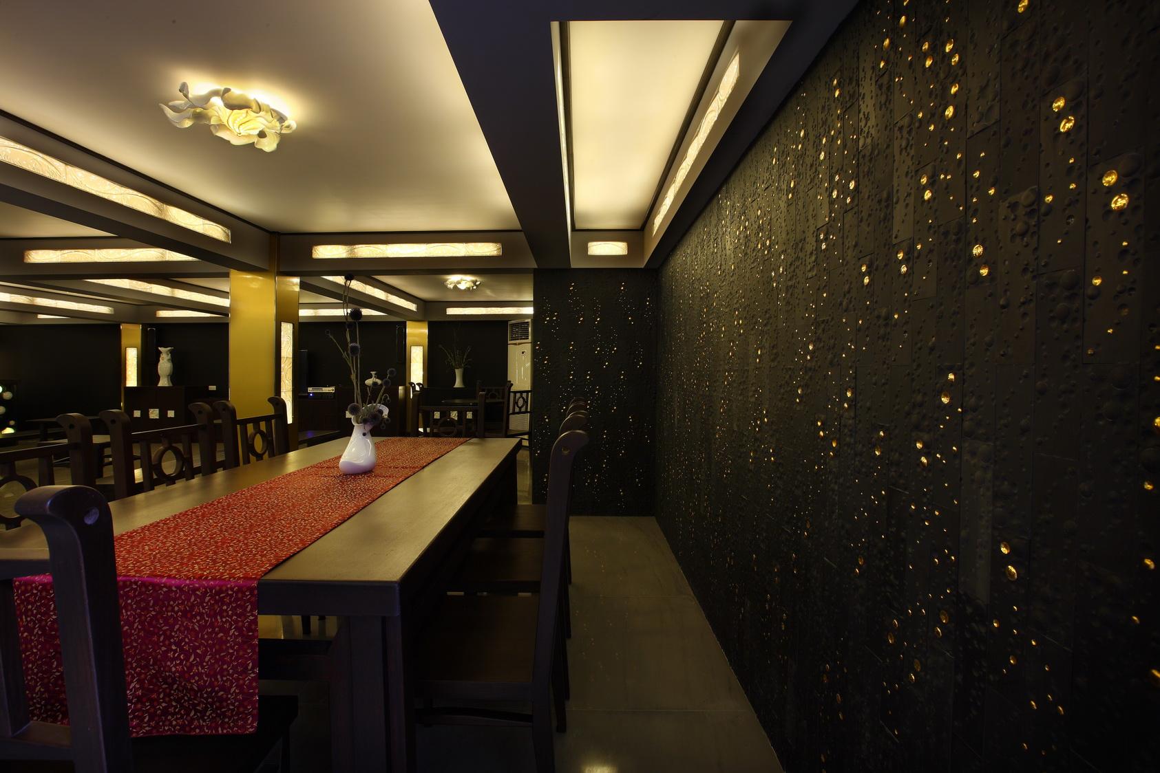 1300藝術中心-黑色瓷板藝術牆