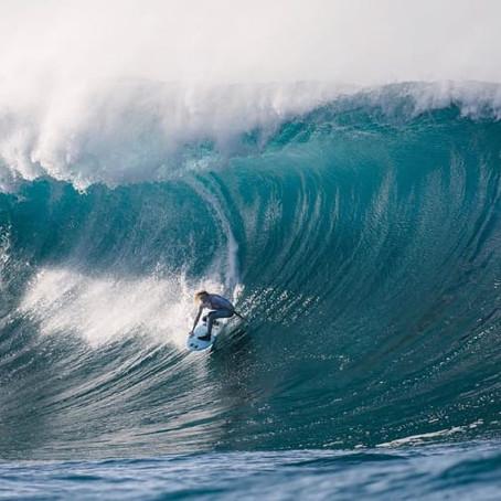 """""""Undone"""": documentário sobre Laura Enever no surf de ondas grandes estreia em março"""