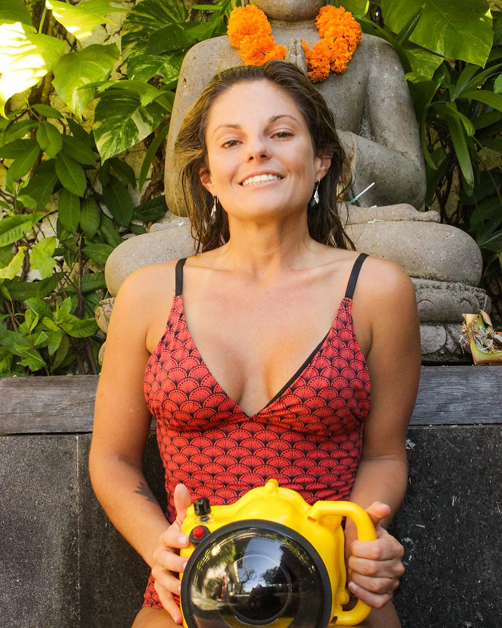 Marianna Piccoli, fotógrafa e videomaker de surf, natural de Santa Catarina