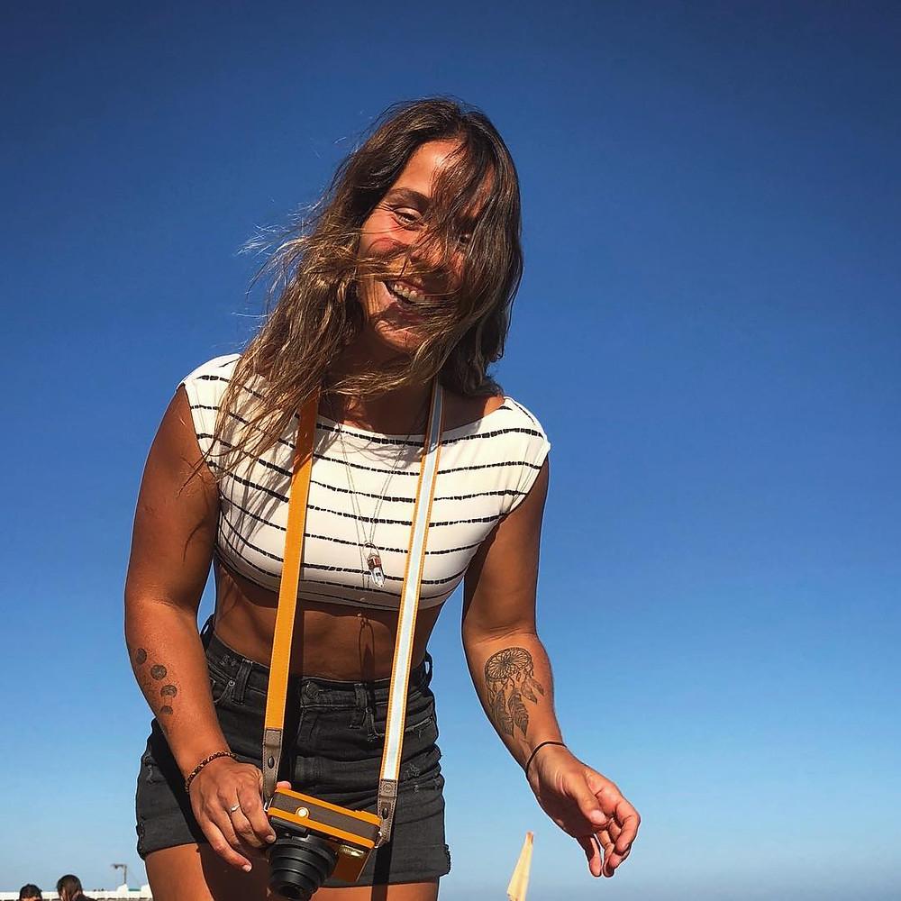 Ju Martins, fotógrafa de surf e filmmaker carioca