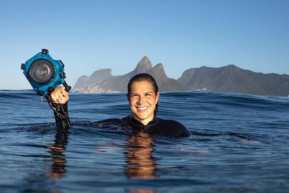 Ana Catarina, fotógrafa de suf e jornalista carioca