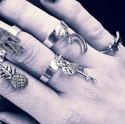 Charm dangle rings