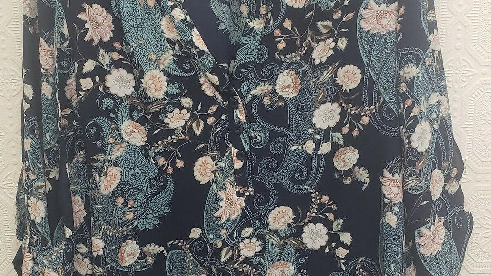 Soho New York & Company Jeans Blue Floral V Neck Long Sleeve Blouse
