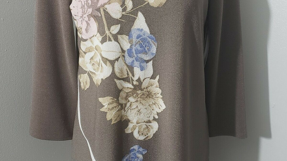 Chico's Taupe Floral V Neck 3/4 Sleeve Asymmetrical Hem Knit Top