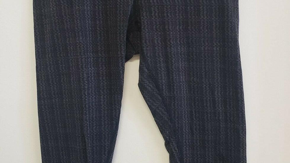 Lululemon Black Gray Chevron Inside Front Waist Pocket Crop Legging
