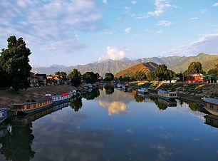 Jhelum-River-Srinagar-India-Jammu-and-Ka