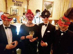 Grupo de 4 con mis Máscaras.