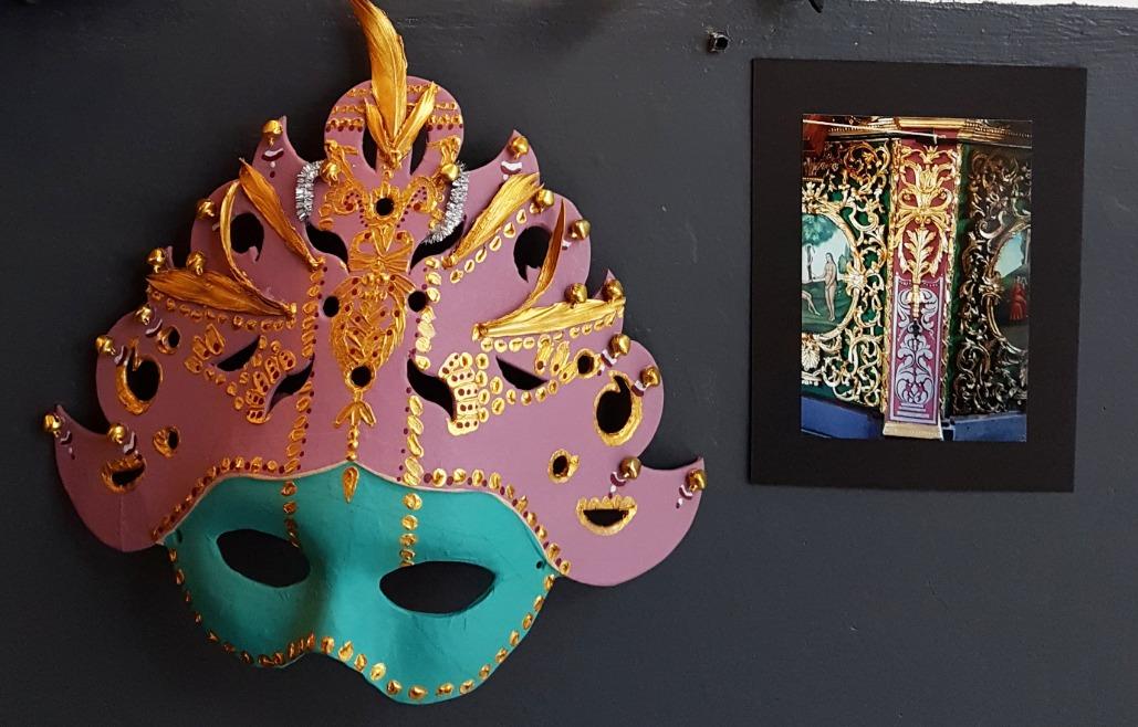 Máscara Malva y Oro
