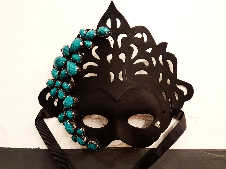 Máscara Negra y Turquesa