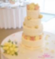 Leaf and Flower wedding Cake 2.jpg