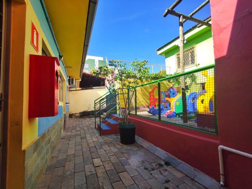 Corredor Escola Infantil Vila das Letras Berçário Educação Infantil