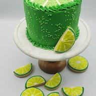 Lemon cake with cookies