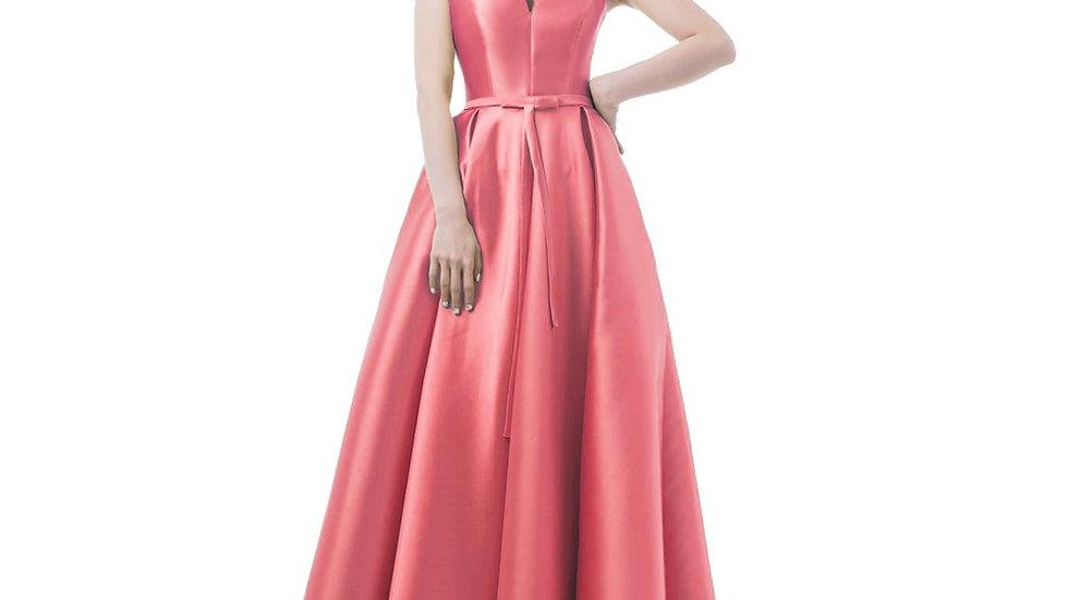 Vestidoelegante, color rosade noche, con apertura en V para graduación